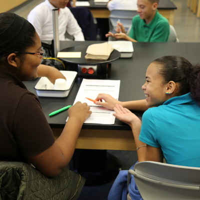 South Middle School students in a hands-on Anatomy lab with Ohio State Lima faculty member Sarah Lehman.